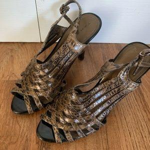 Tahari Snake print open toe heels READ DESCRIPTION